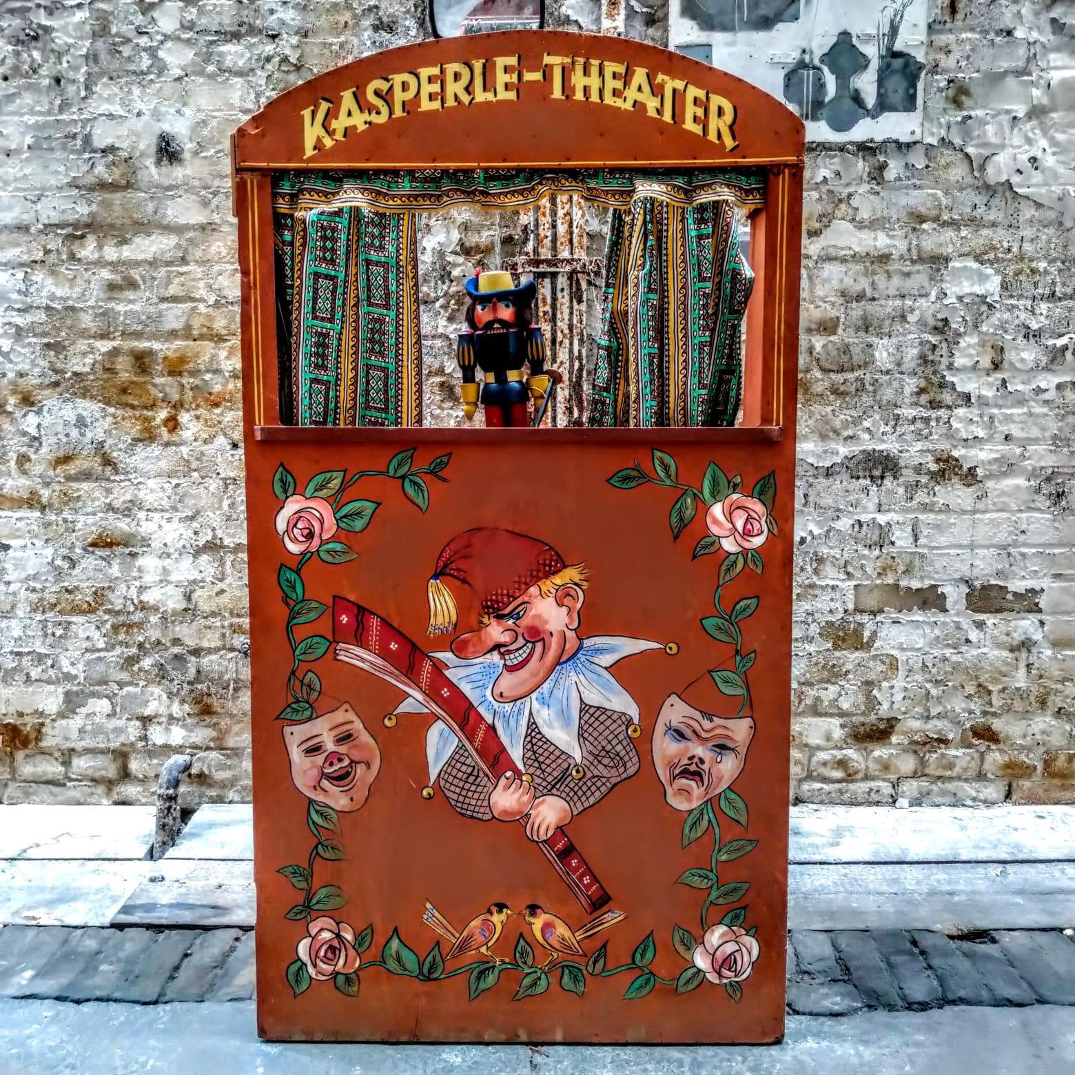 Saxonian punchinello theatre